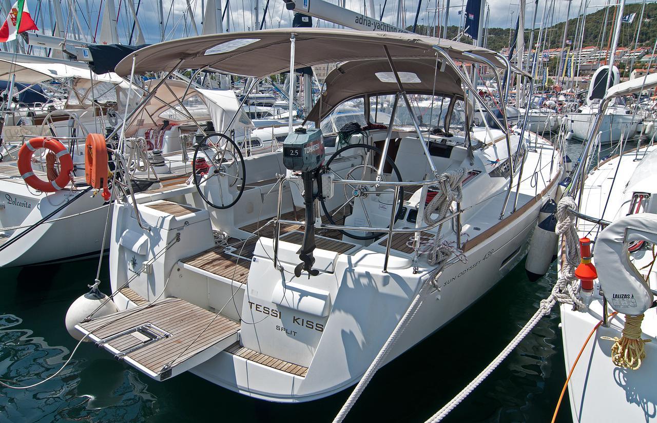 https://ws.nausys.com/rest/yacht/1061729/pictures/n1.jpg