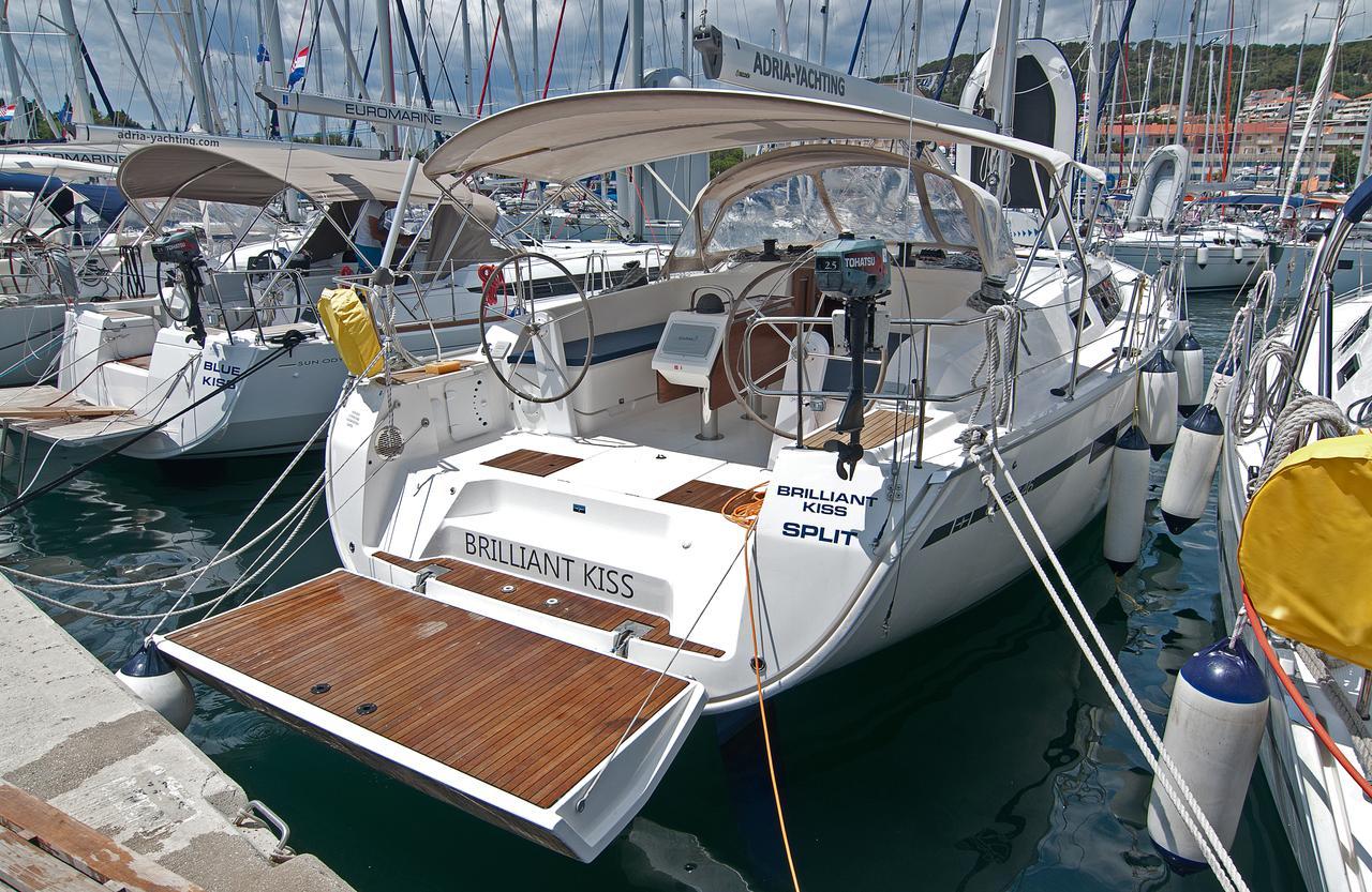 https://ws.nausys.com/CBMS-external/rest/yacht/1061731/pictures/n.jpg