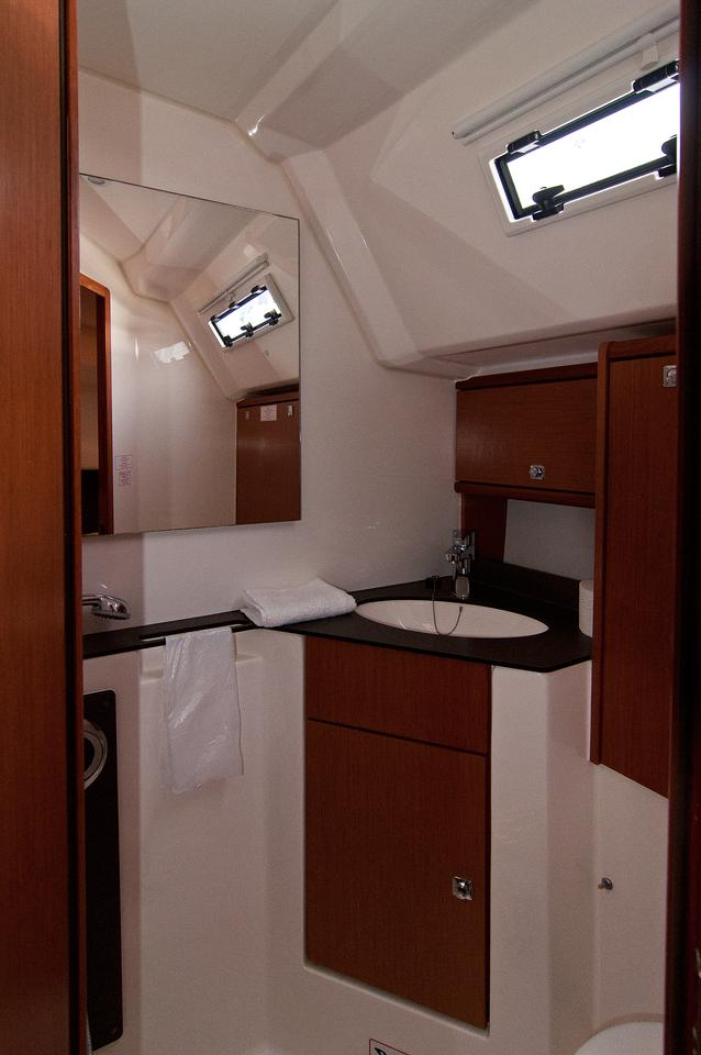 https://ws.nausys.com/CBMS-external/rest/yacht/1061731/pictures/w.jpg