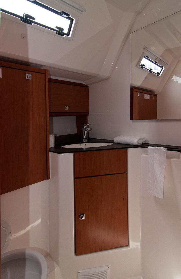 https://ws.nausys.com/rest/yacht/1061731/pictures/w4.jpg