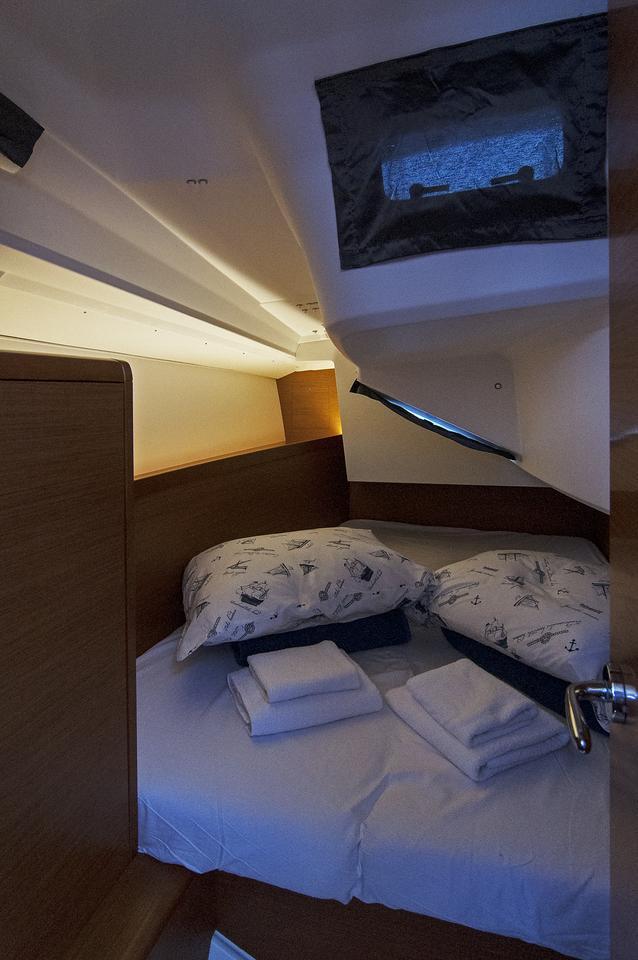 https://ws.nausys.com/rest/yacht/1061744/pictures/s1.jpg