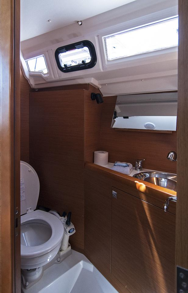 https://ws.nausys.com/CBMS-external/rest/yacht/1061744/pictures/w.jpg