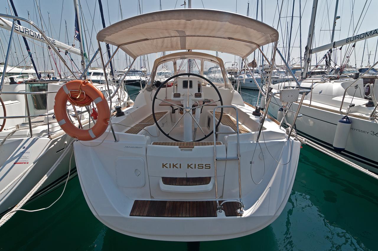 Sun Odyssey 33i, Kiki Kiss