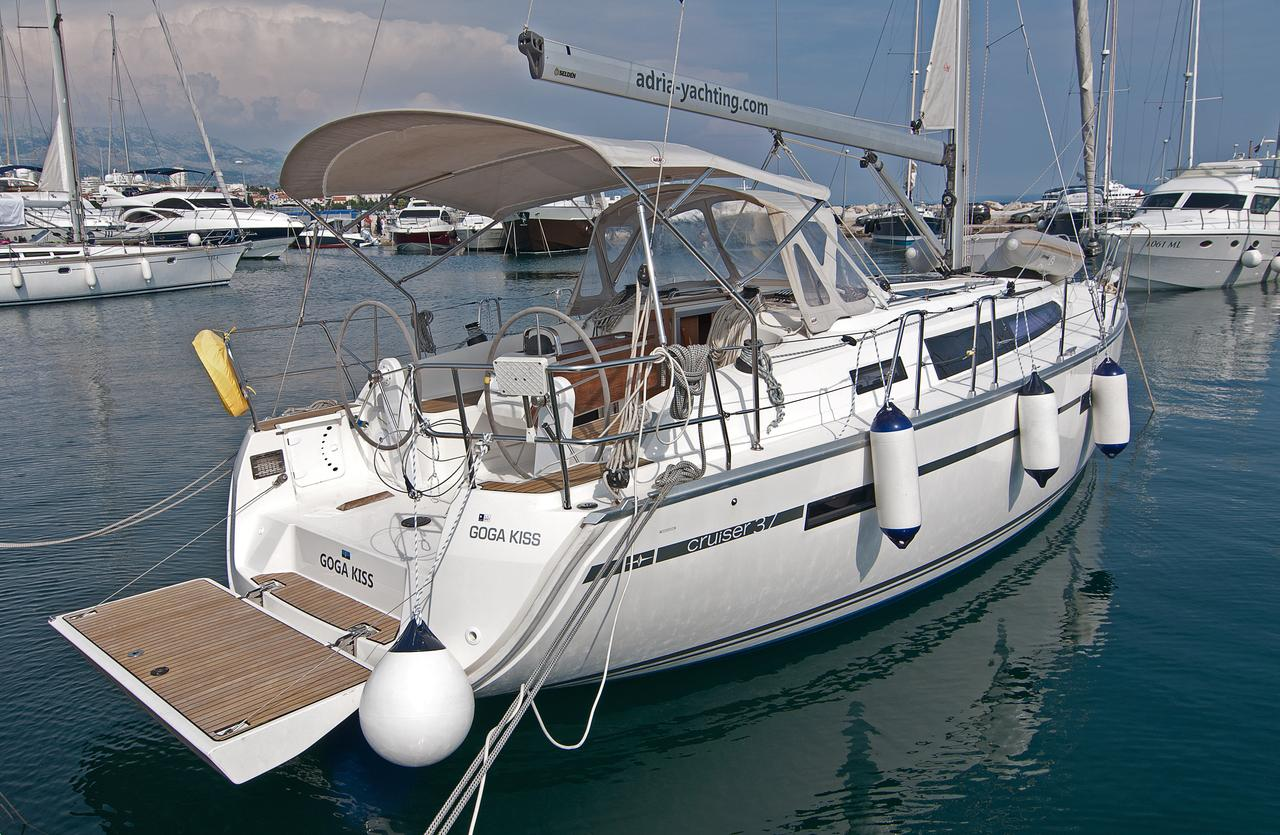 https://ws.nausys.com/CBMS-external/rest/yacht/1061749/pictures/n1.jpg