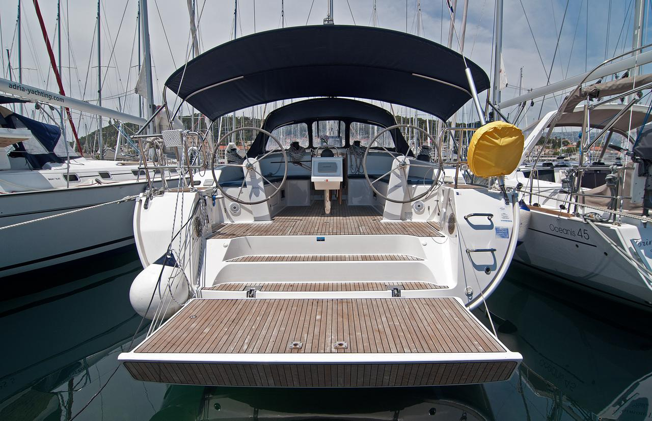 https://ws.nausys.com/CBMS-external/rest/yacht/1070216/pictures/n.jpg