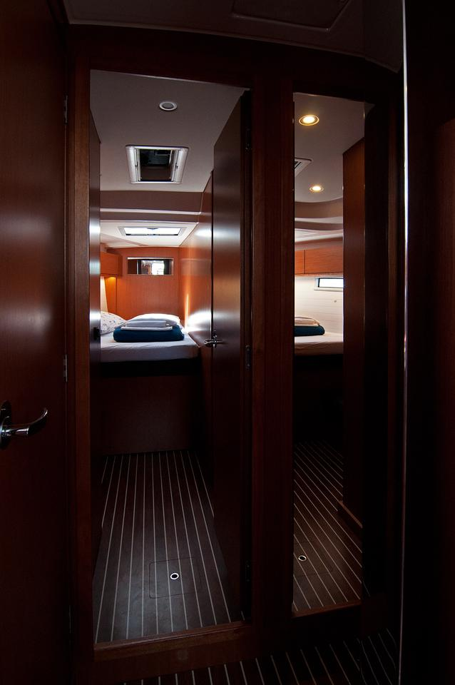 https://ws.nausys.com/CBMS-external/rest/yacht/1070216/pictures/s5.jpg