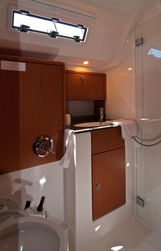 https://ws.nausys.com/CBMS-external/rest/yacht/1070216/pictures/w.jpg