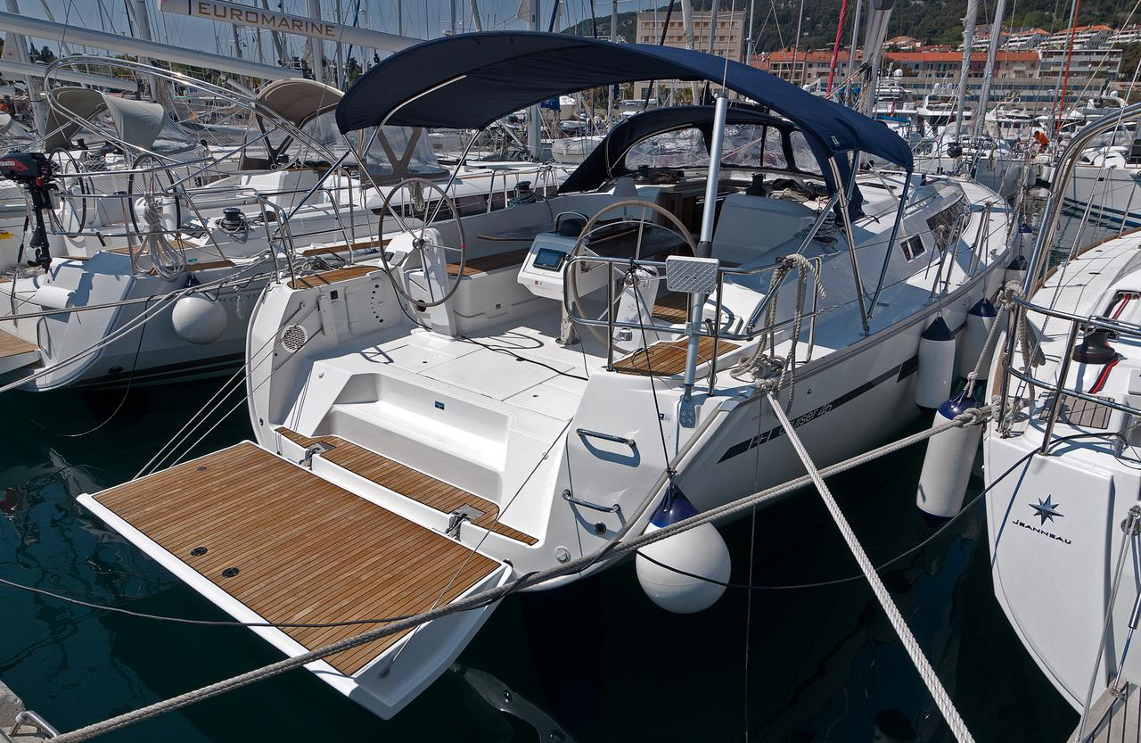https://ws.nausys.com/CBMS-external/rest/yacht/1070218/pictures/n.jpg