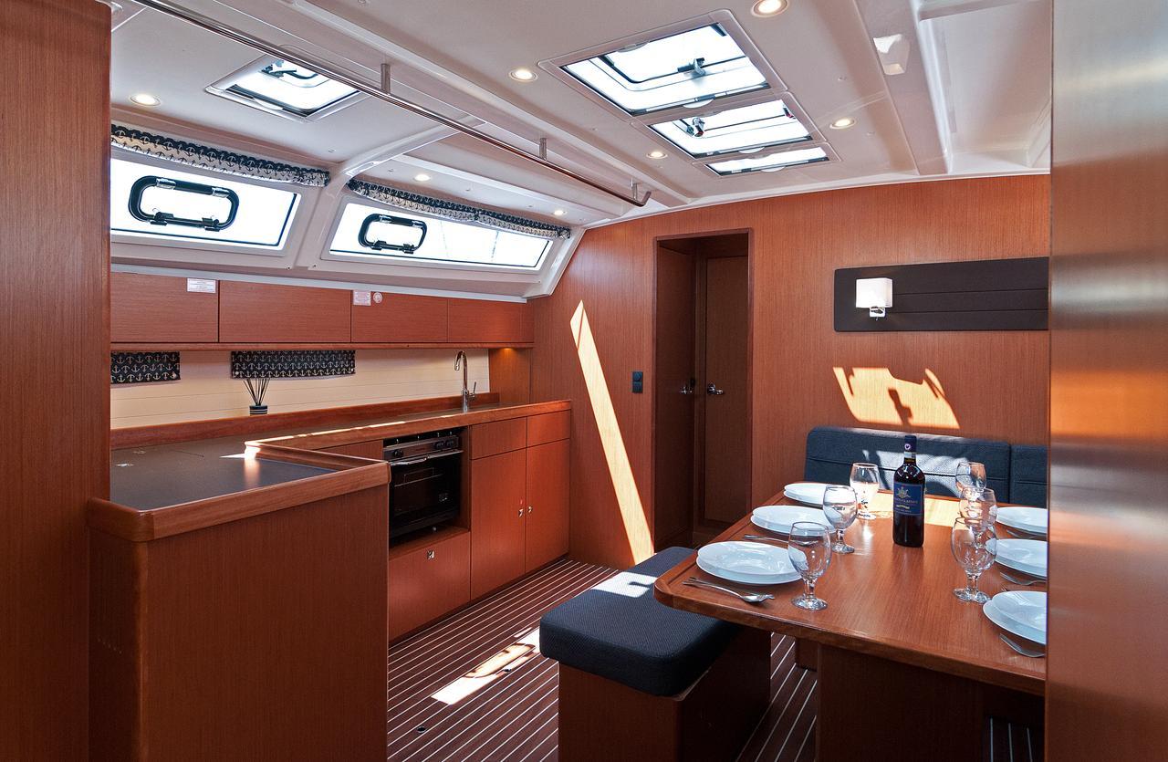 https://ws.nausys.com/CBMS-external/rest/yacht/1070218/pictures/p.jpg