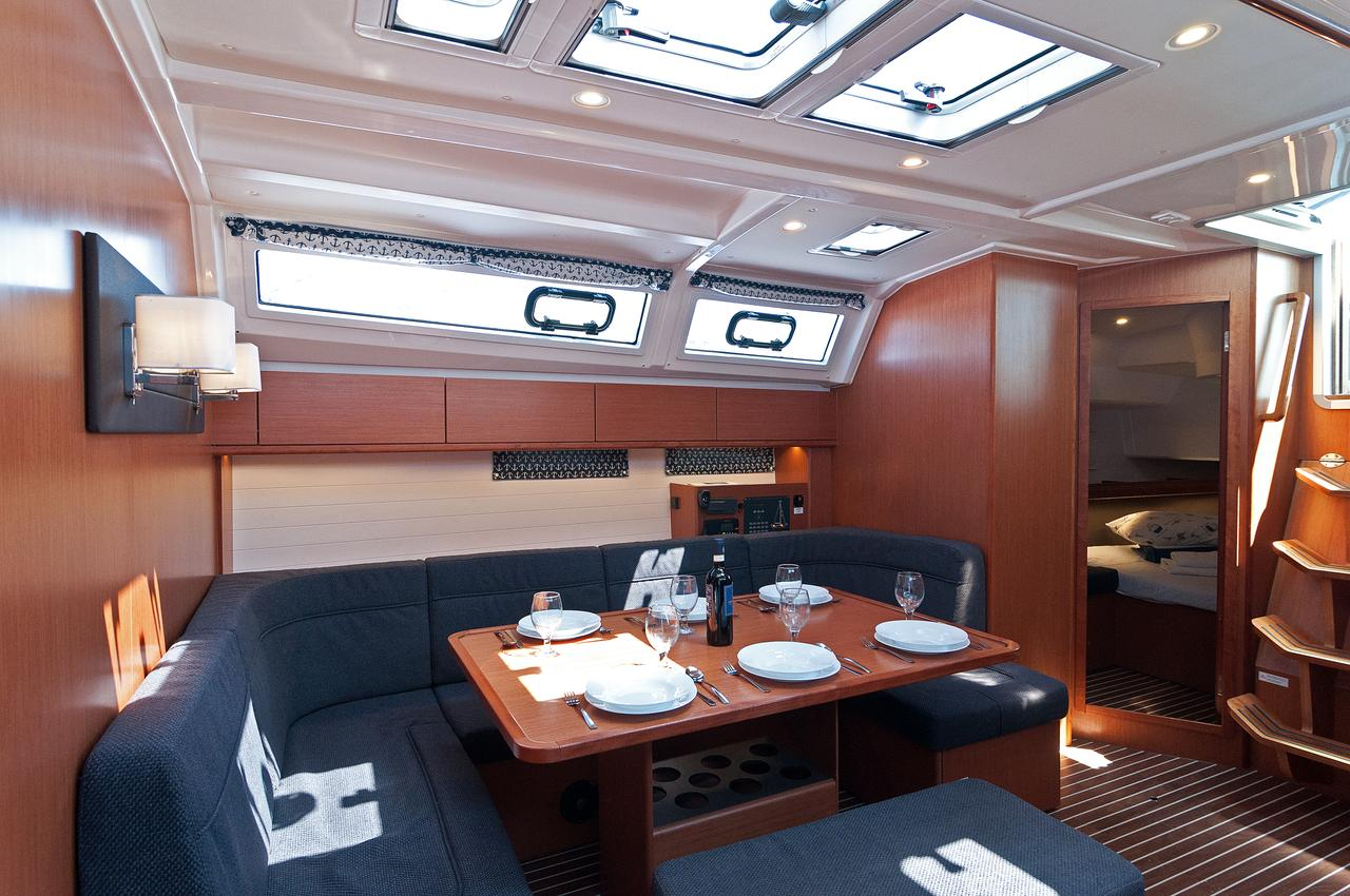 https://ws.nausys.com/CBMS-external/rest/yacht/1070218/pictures/p3.jpg