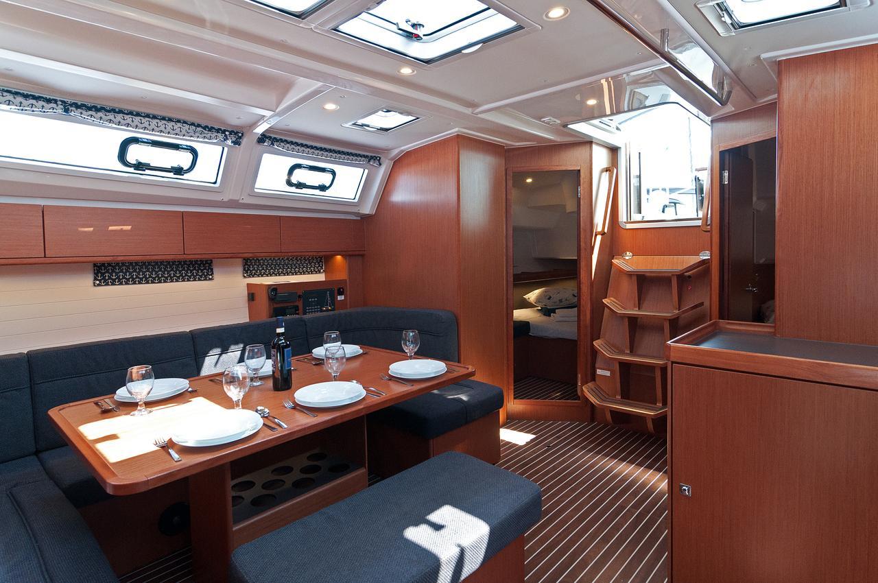 https://ws.nausys.com/CBMS-external/rest/yacht/1070218/pictures/p4.jpg