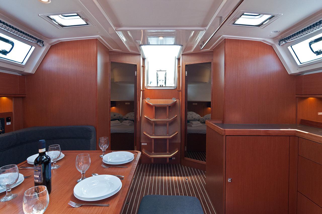 https://ws.nausys.com/CBMS-external/rest/yacht/1070218/pictures/p7.jpg