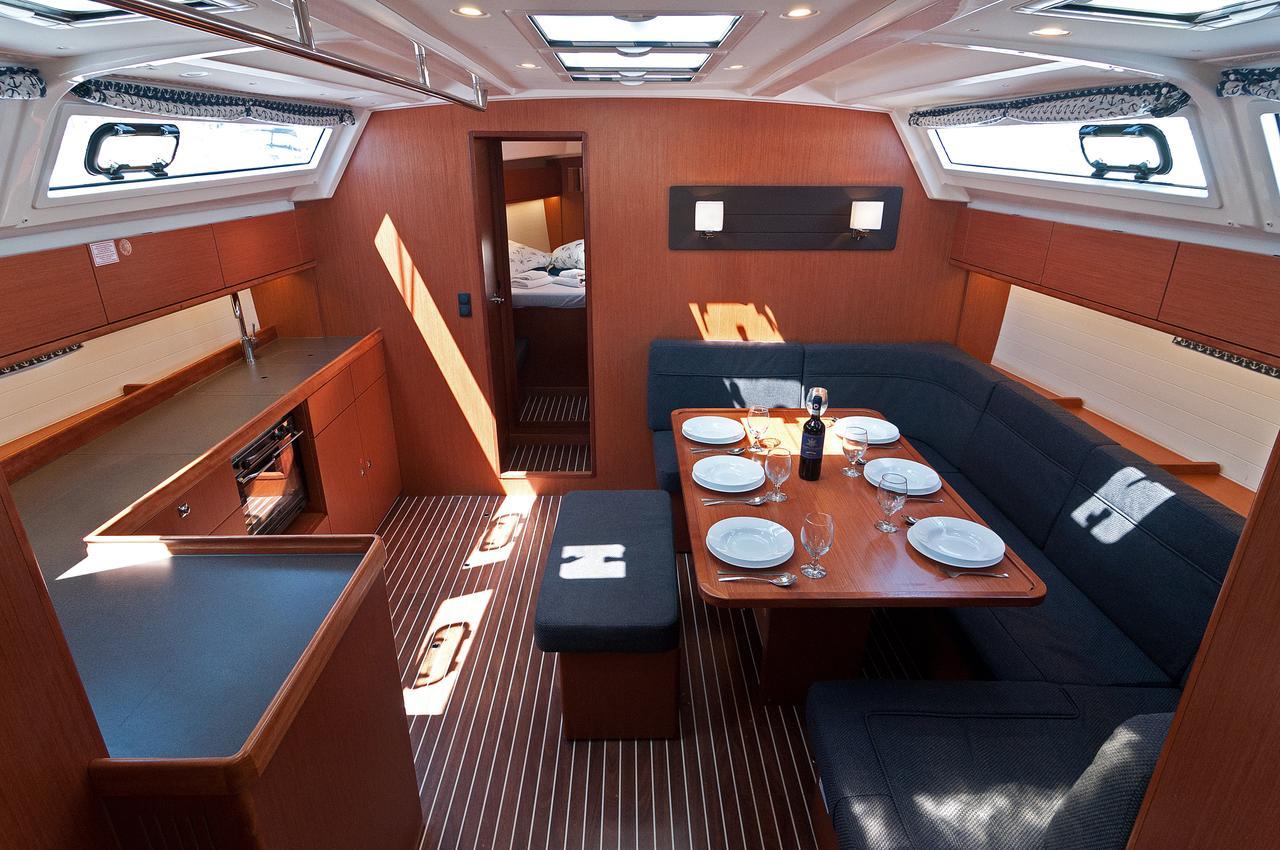 https://ws.nausys.com/CBMS-external/rest/yacht/1070218/pictures/p8.jpg