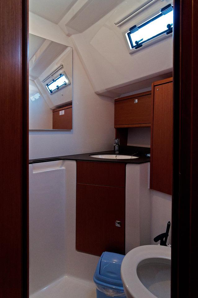 https://ws.nausys.com/CBMS-external/rest/yacht/1070218/pictures/w.jpg