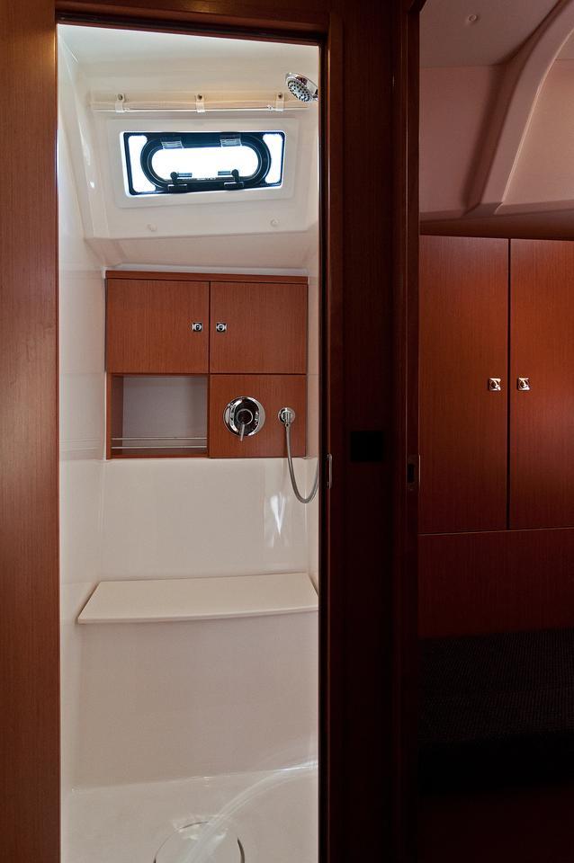 https://ws.nausys.com/CBMS-external/rest/yacht/1070218/pictures/w3.jpg