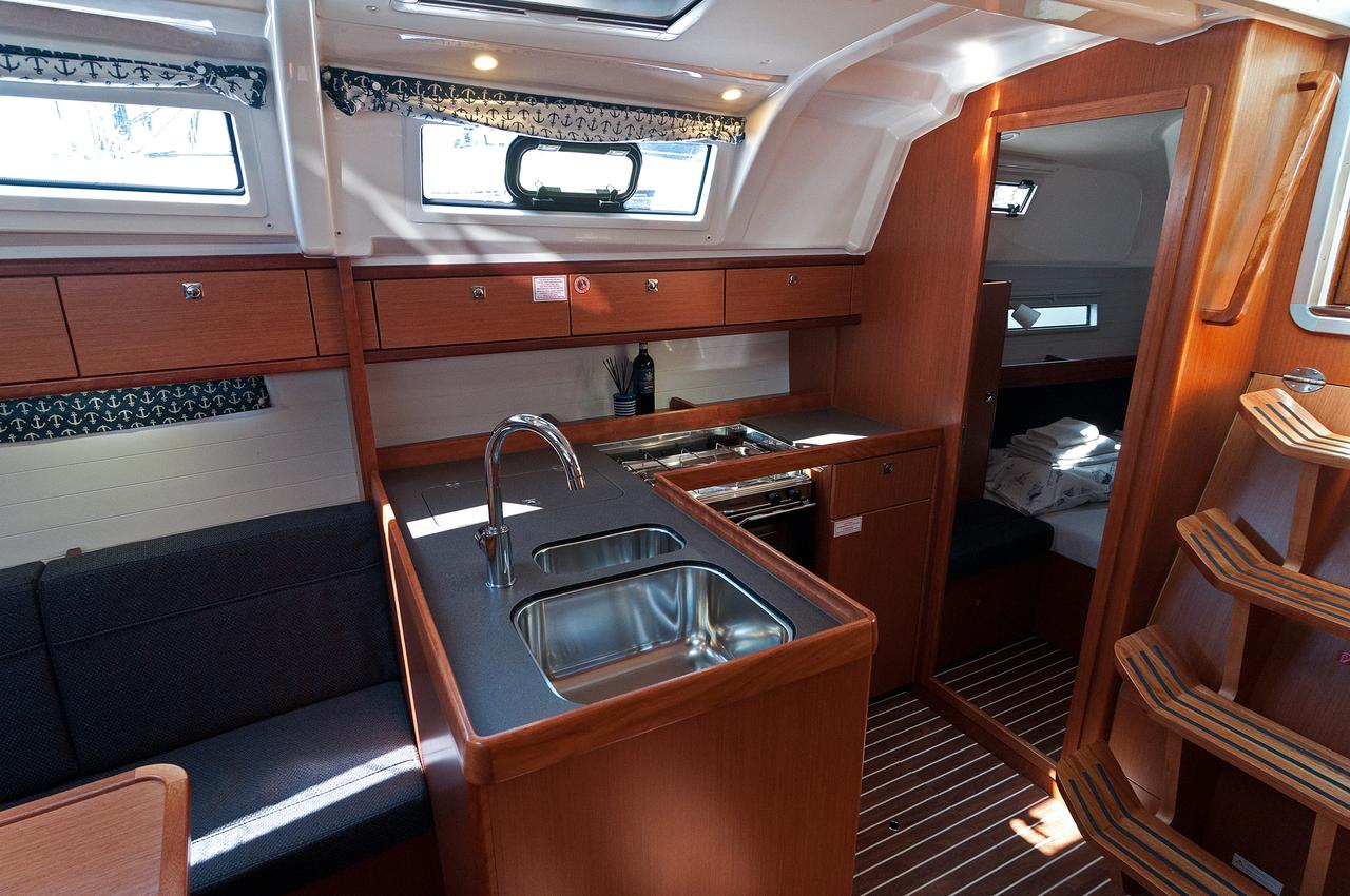 https://ws.nausys.com/CBMS-external/rest/yacht/1070219/pictures/p.jpg