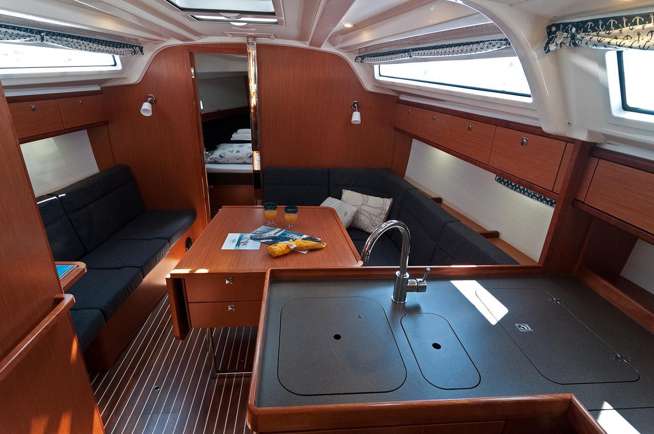 https://ws.nausys.com/CBMS-external/rest/yacht/1070219/pictures/p7.jpg