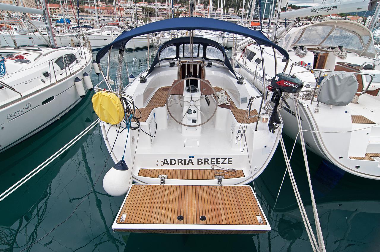 Adria Breeze