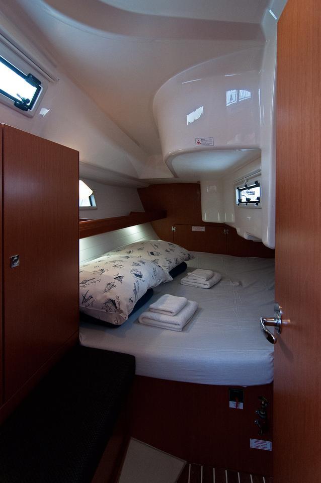 https://ws.nausys.com/rest/yacht/1070220/pictures/s2.jpg