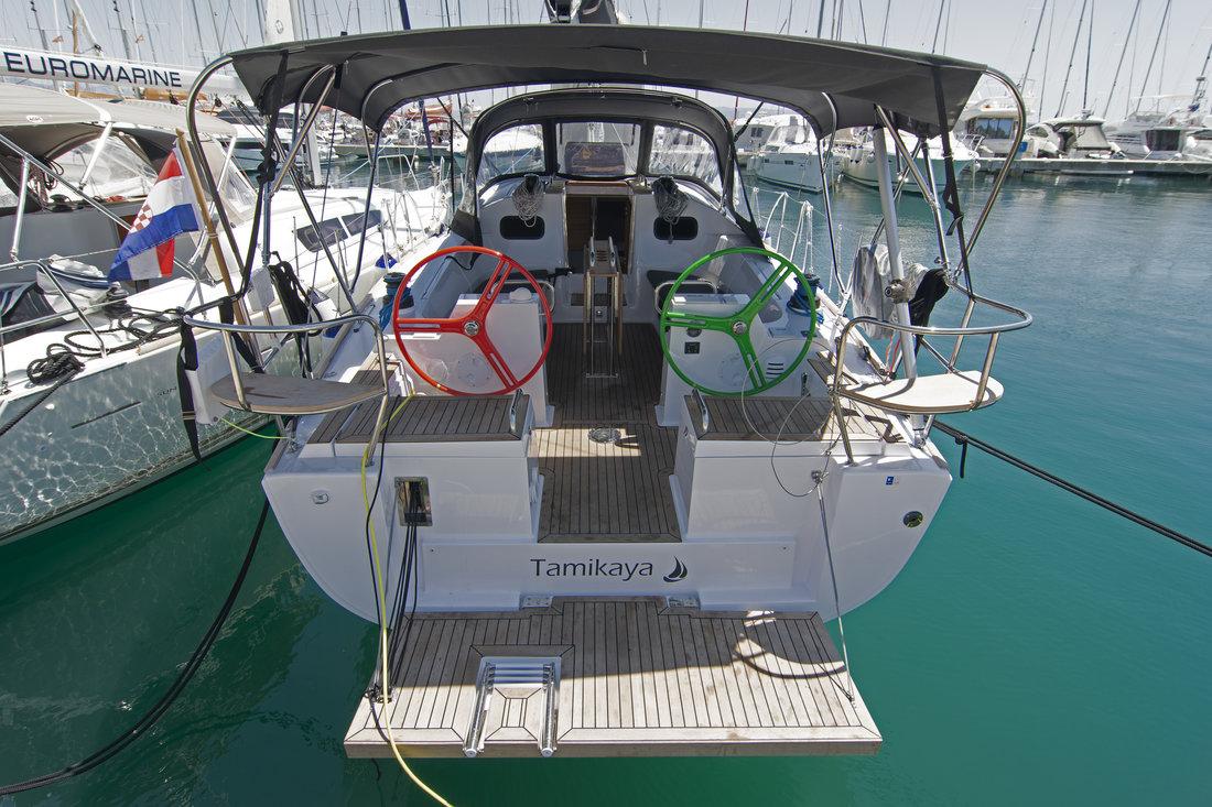 https://ws.nausys.com/CBMS-external/rest/yacht/11328394/pictures/n.jpg