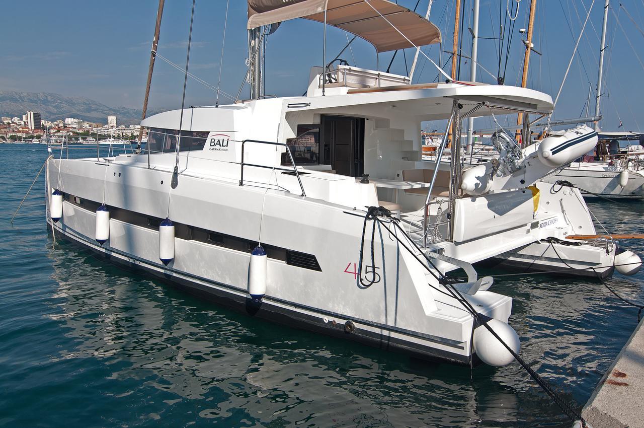 https://ws.nausys.com/CBMS-external/rest/yacht/1355599/pictures/n.jpg