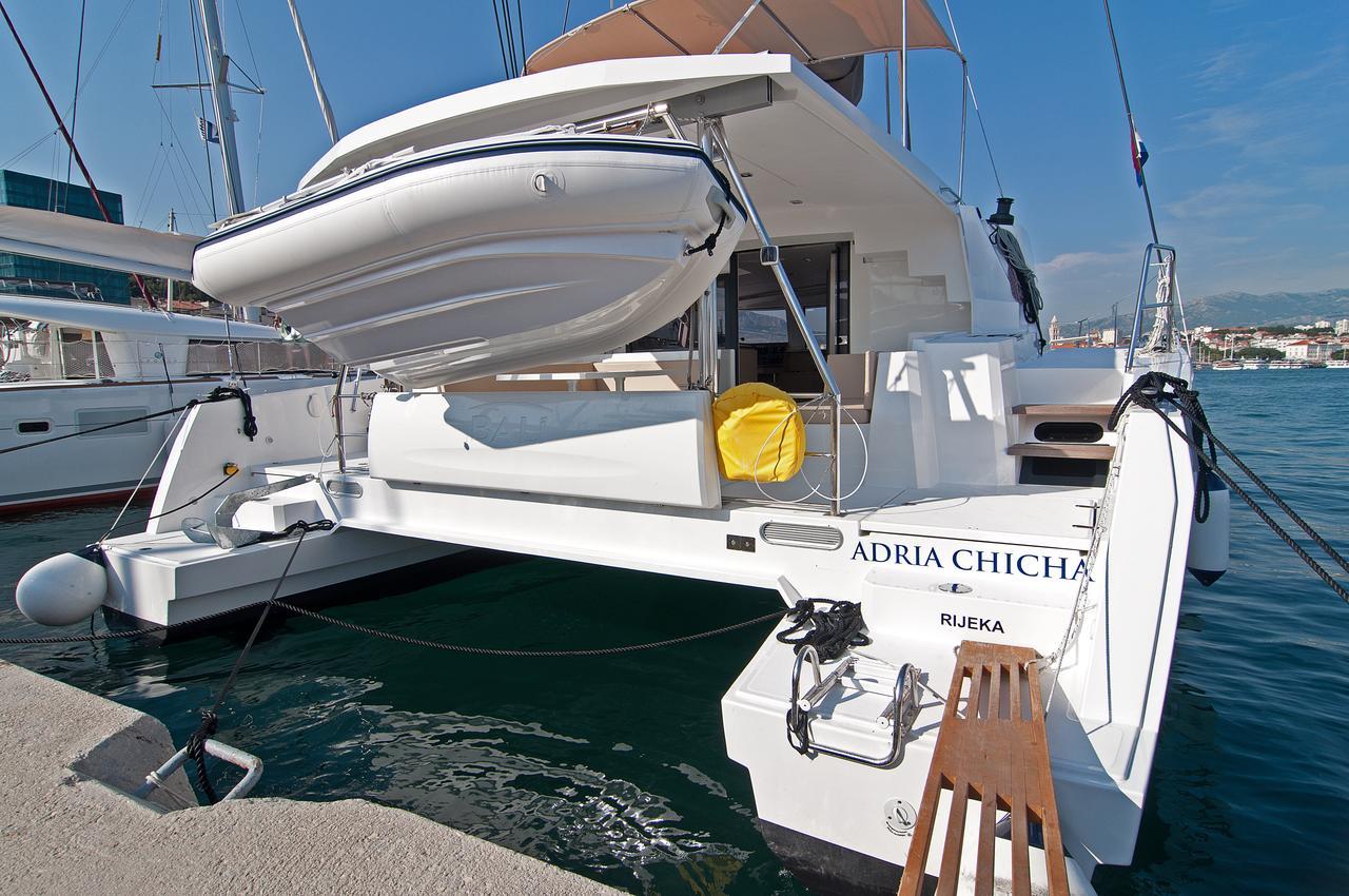 https://ws.nausys.com/CBMS-external/rest/yacht/1355599/pictures/n1.jpg