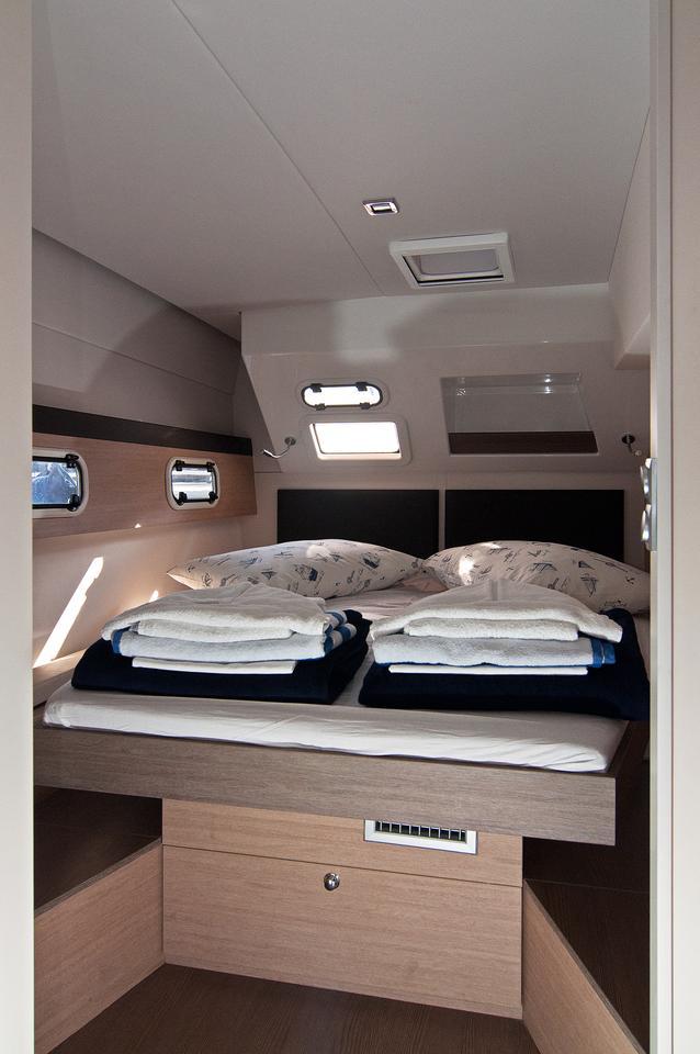https://ws.nausys.com/CBMS-external/rest/yacht/1355599/pictures/s.jpg