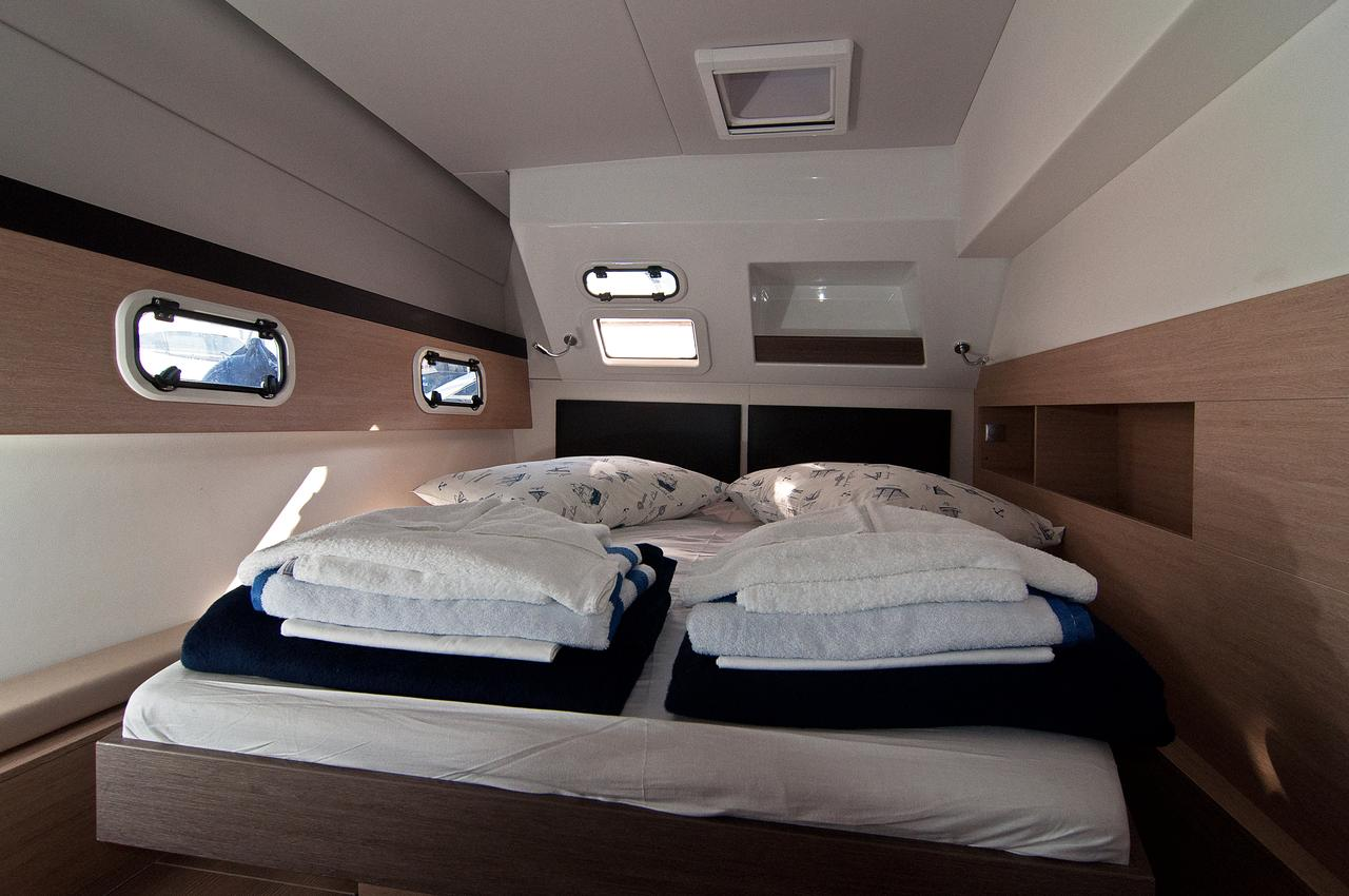 https://ws.nausys.com/CBMS-external/rest/yacht/1355599/pictures/s1.jpg
