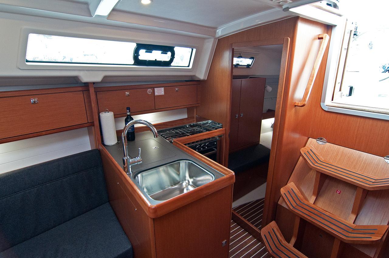 https://ws.nausys.com/CBMS-external/rest/yacht/1364147/pictures/p5.jpg