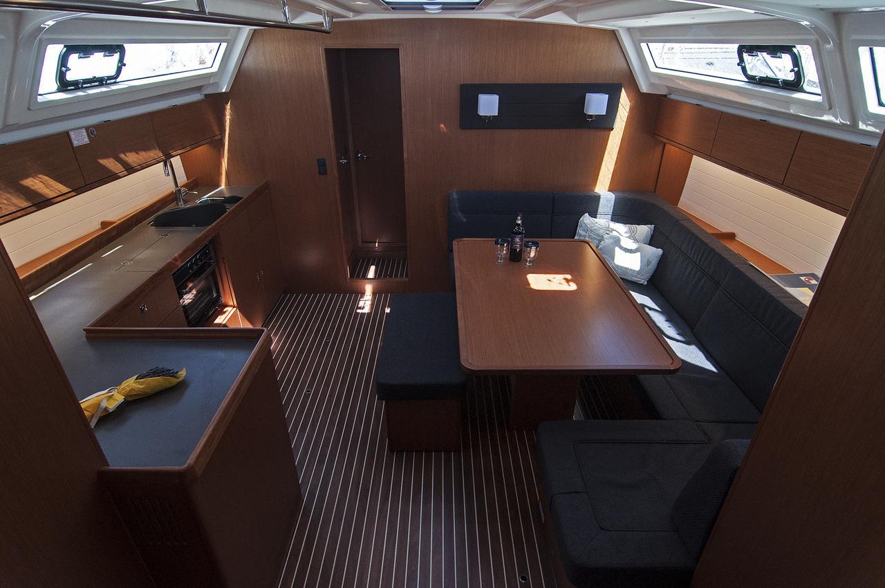 https://ws.nausys.com/rest/yacht/1364176/pictures/p.jpg