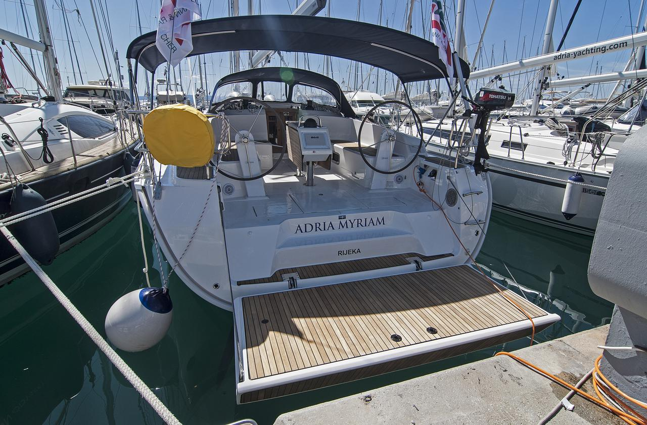 https://ws.nausys.com/CBMS-external/rest/yacht/1364185/pictures/n1.jpg