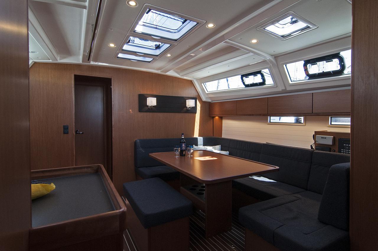 https://ws.nausys.com/rest/yacht/1364185/pictures/p2.jpg