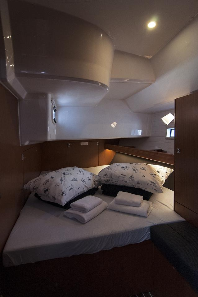 https://ws.nausys.com/rest/yacht/1364185/pictures/s.jpg