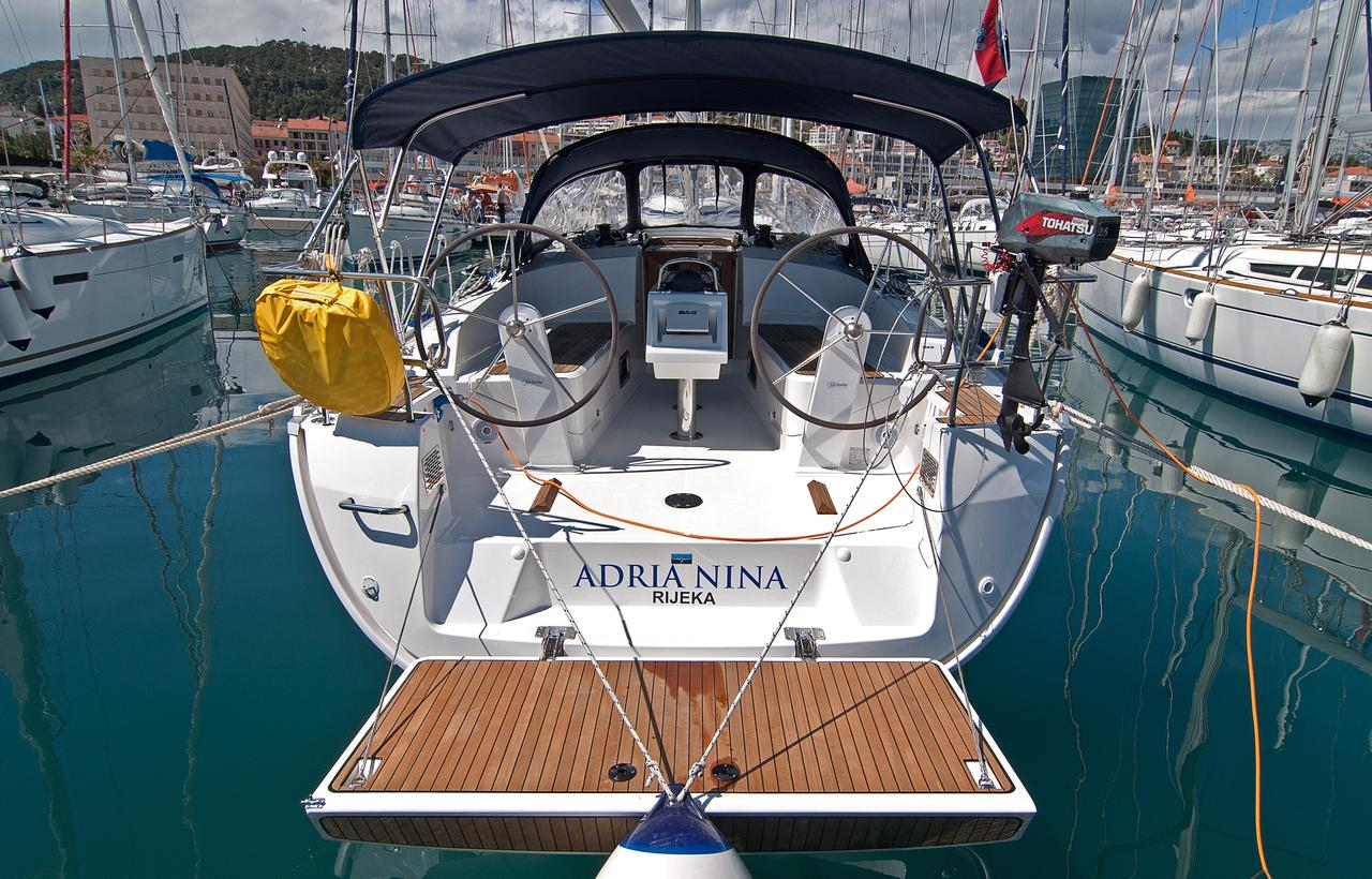 http://ws.nausys.com/rest/yacht/1364186/pictures/n.jpg