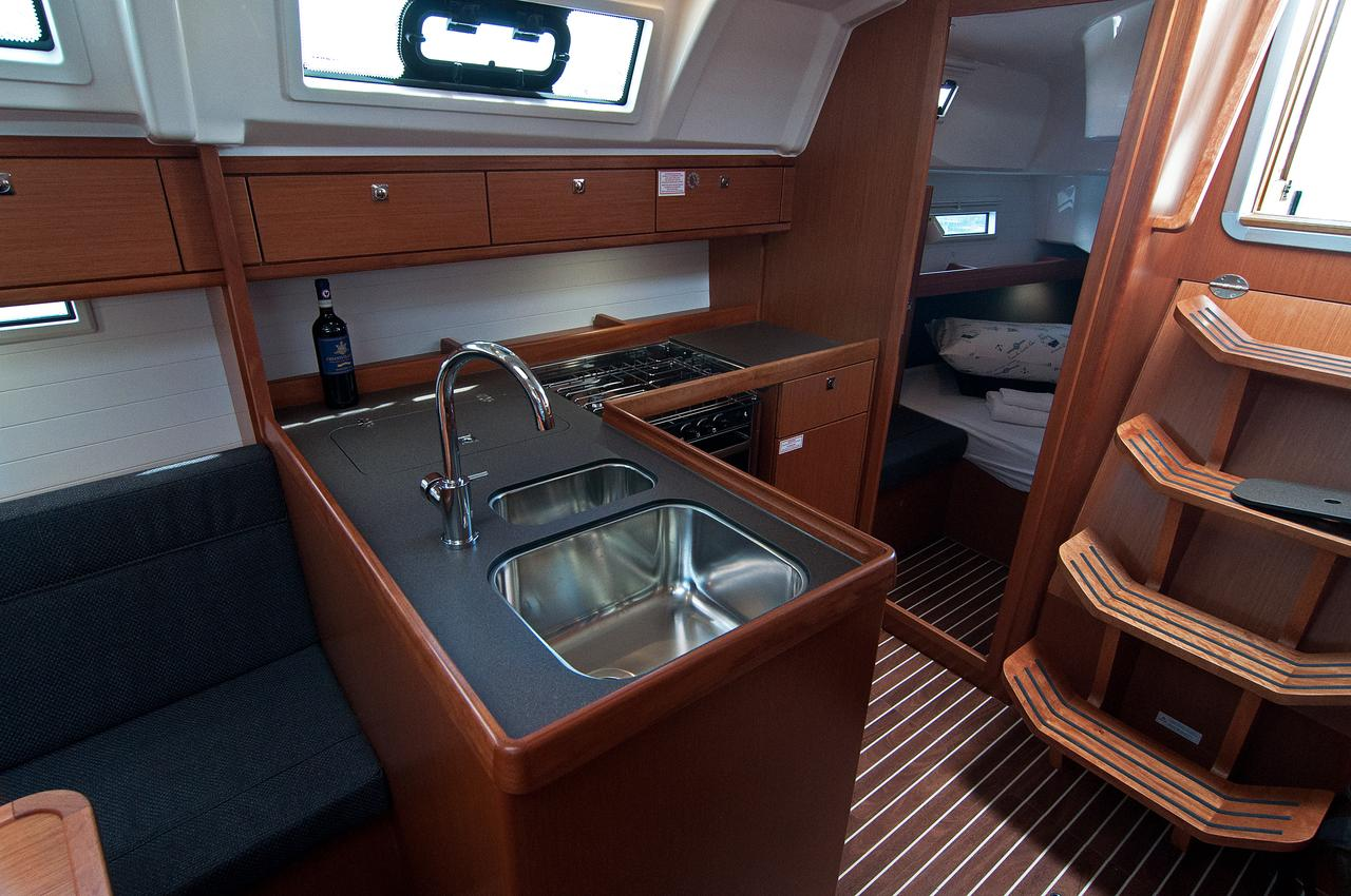 http://ws.nausys.com/rest/yacht/1364186/pictures/p.jpg