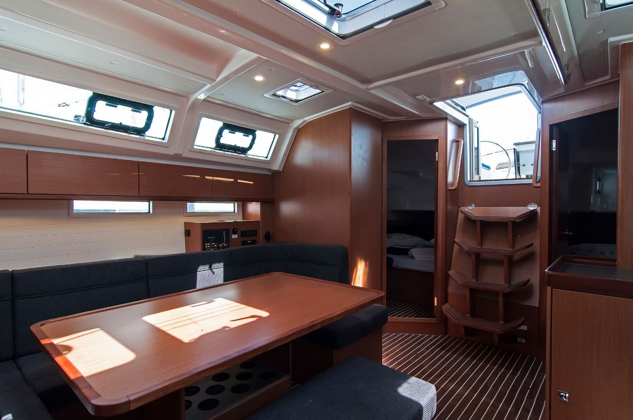 https://ws.nausys.com/rest/yacht/4312550/pictures/p1.jpeg