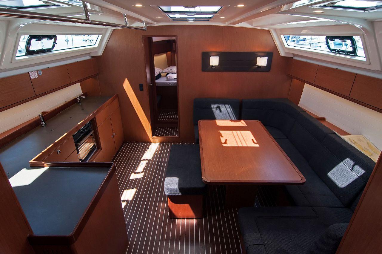 https://ws.nausys.com/rest/yacht/4312550/pictures/p3.jpeg