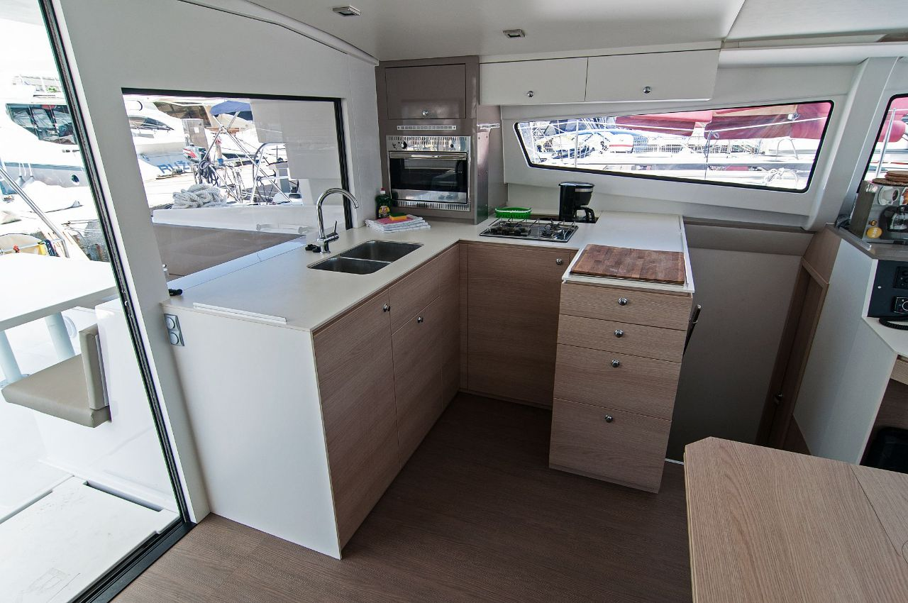 https://ws.nausys.com/rest/yacht/4459485/pictures/n4.jpeg