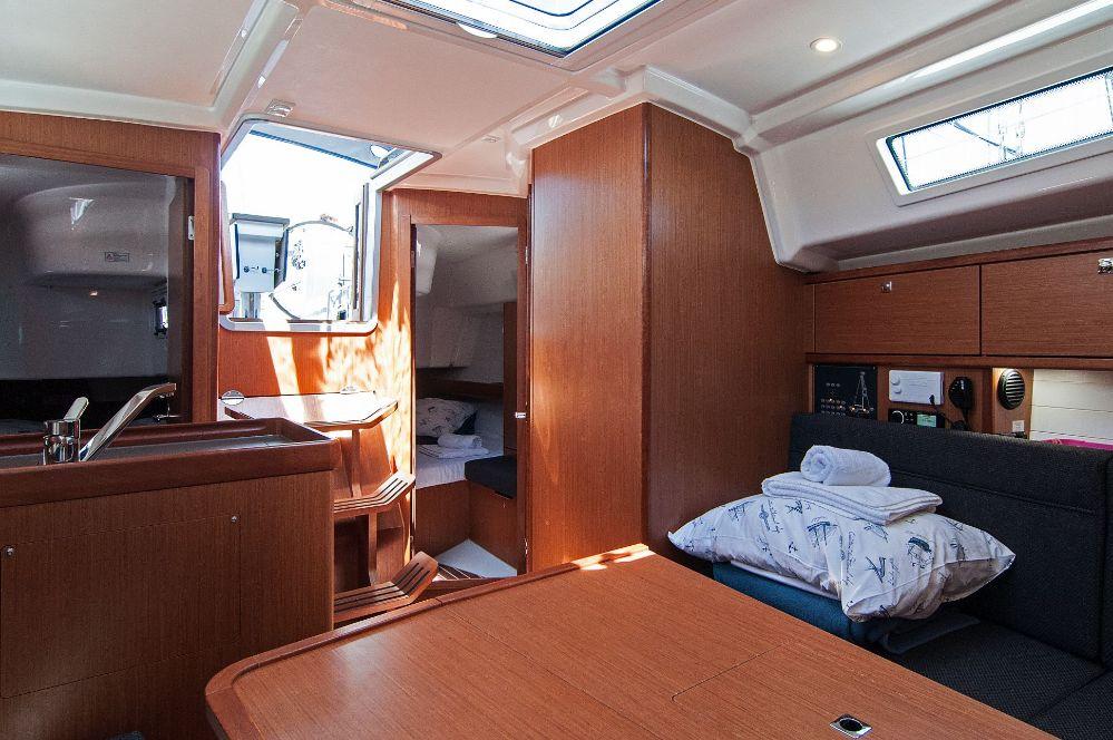 https://ws.nausys.com/CBMS-external/rest/yacht/4616933/pictures/p3.jpeg