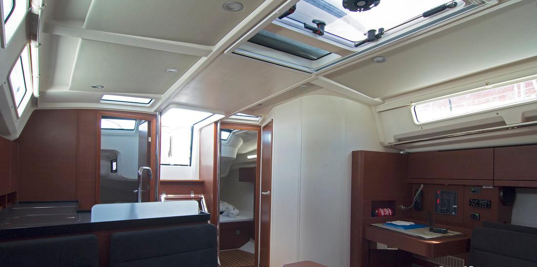 https://ws.nausys.com/CBMS-external/rest/yacht/8366838/pictures/p3.jpg