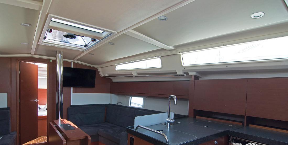 https://ws.nausys.com/CBMS-external/rest/yacht/8366838/pictures/p4.jpg