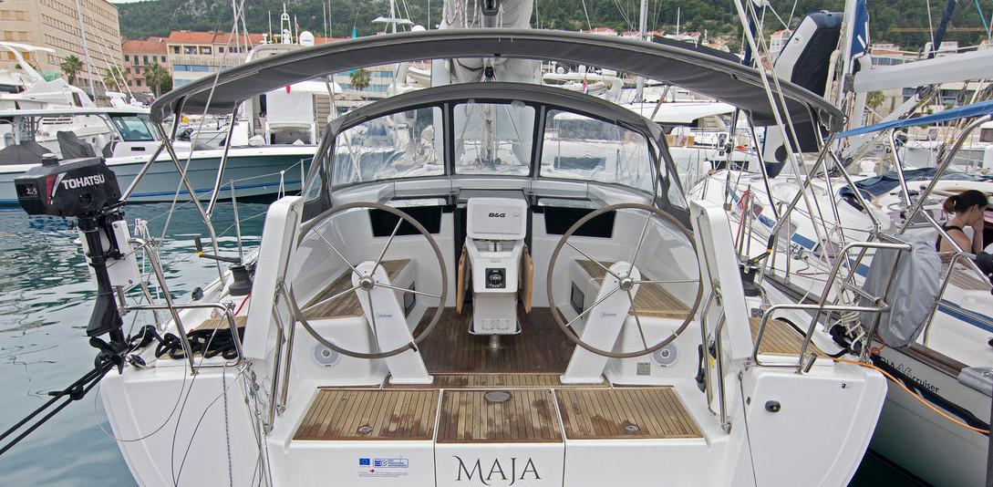 https://ws.nausys.com/CBMS-external/rest/yacht/8366865/pictures/main.jpg