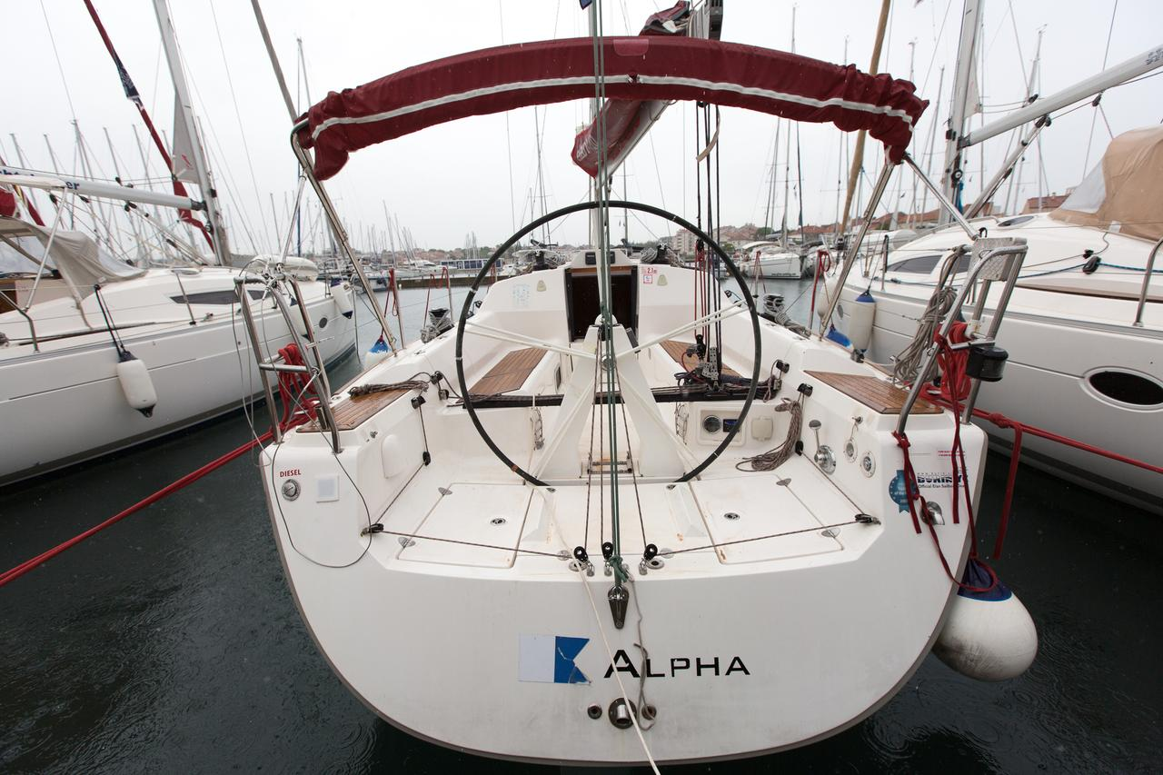 Elan 340, Alpha