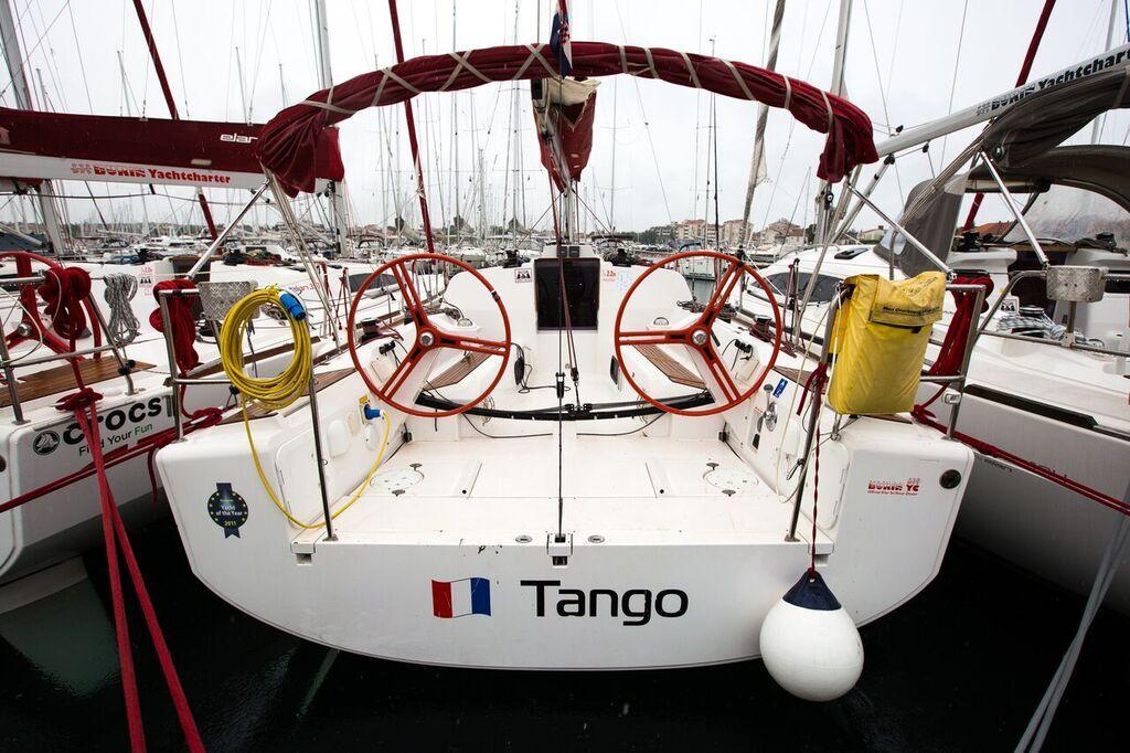 Elan 350 Performance, Tango