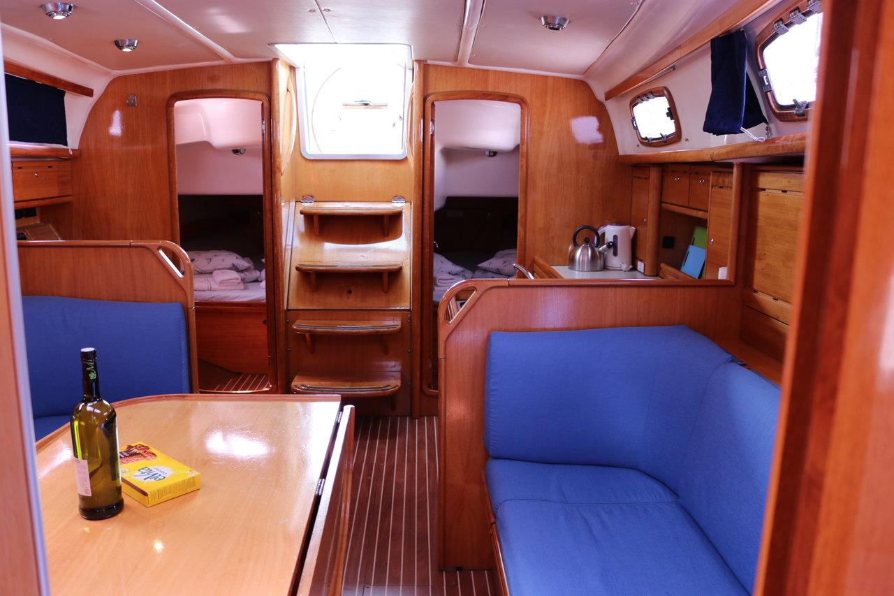 Bavaria 37 Cruiser, Tonka