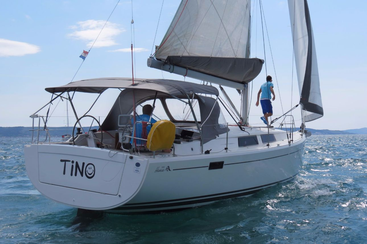 Yacht Tino