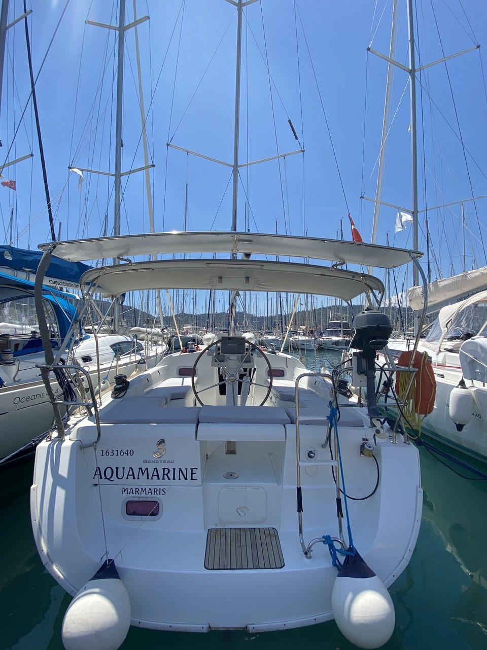Oceanis 34 - Aquamarine