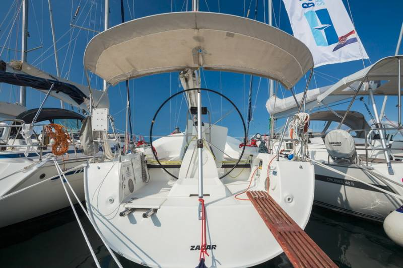 Bavaria 42 Match, Cape Cod 51