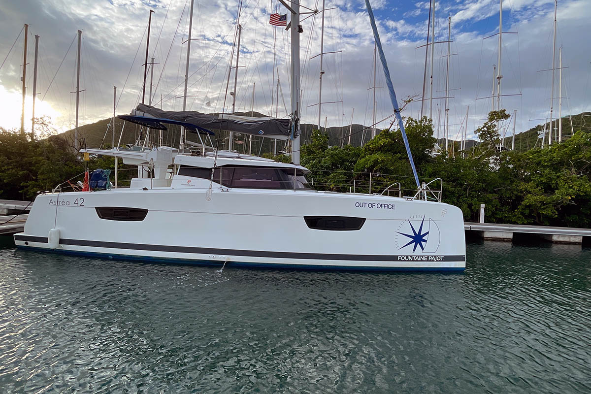 Fountaine Pajot Astrea 42 - 4 + 2 cab. - OUT OF OFFICE (ex. V7385)