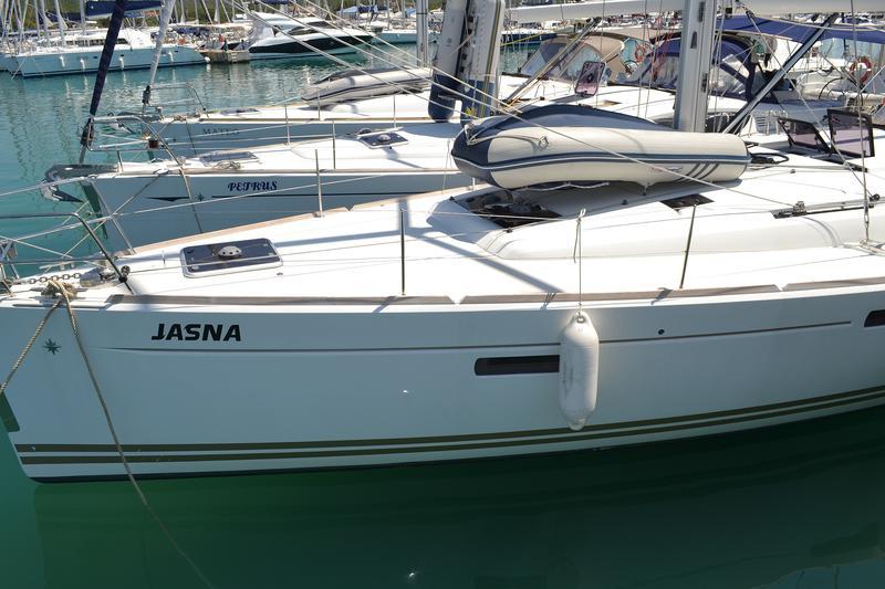 Sun Odyssey 509, Jasna